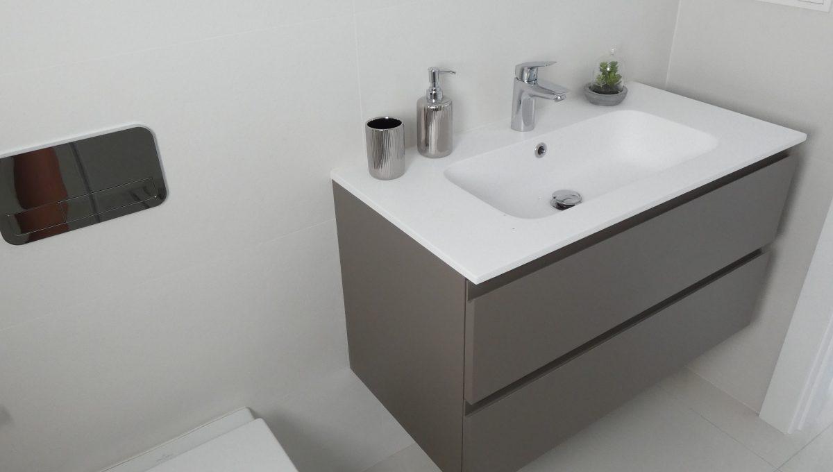 cuarto de baño abajo 2